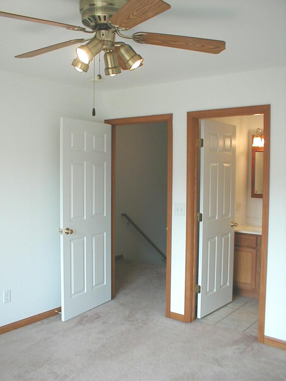 living room 170 x 117 kitchen 142 x 117 12 bathroom 84 x 40 utility room 510 x 40 each bedroom 124 x 121 each full bath - Living Room Rentals